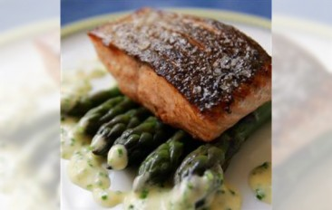 Loch Duart salmon fillet and Glamis asparagus with chive & lovage sauce recipe