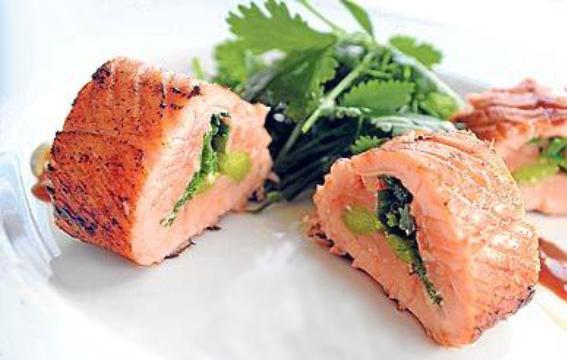 Oriental salmon roulade